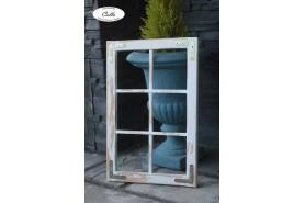 ozdobne okno hneda patina s osuchanim