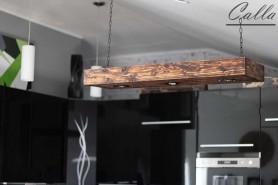 Drevene svietidlo v kuchyni