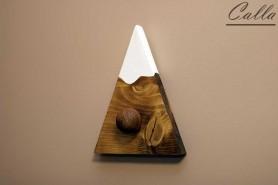 vešiak drevený vo farbe dub