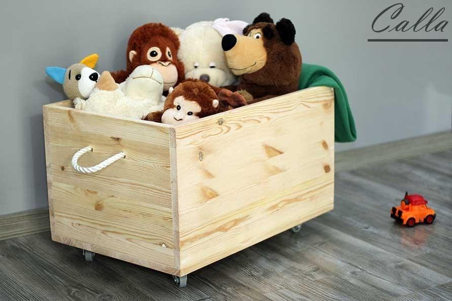 drevená truhlica na hračky