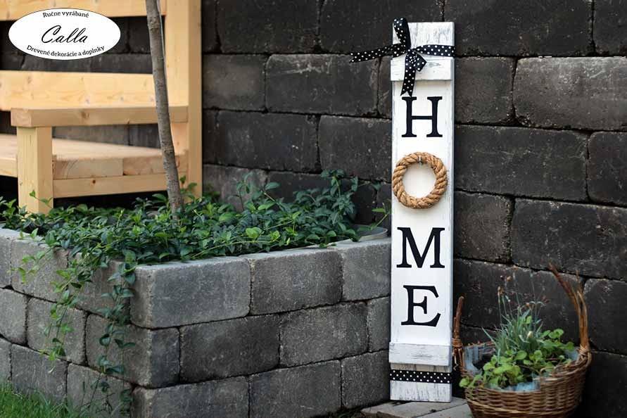 ozdobná tabuľka drevená do záhrady ako dekorácia