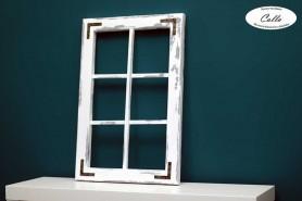drevené okno vo vidieckom štýle ošúchané drevo